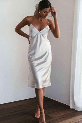 Sırt Dekolteli Uzun Saten Gecelik Elbise Beyaz