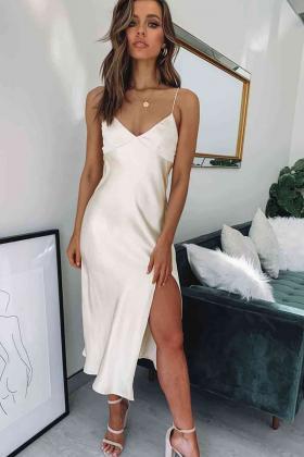 Saten Uzun Yırtmaçlı Gecelik Elbise Beyaz